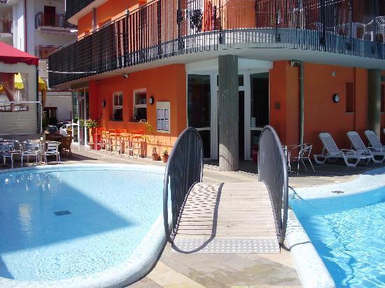 Hotel & Aparthotel Sheila: pool