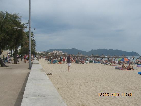 SENTIDO Playa del Moro: seafront