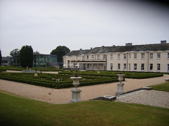 Castlemartyr Resort: Garden