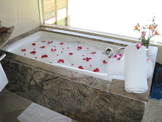 فندق ومنتجع تاج إكزوتيكا: Baño Luna de Miel