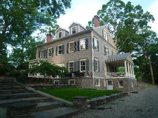 Beacon, NY: Chrystie House-side view