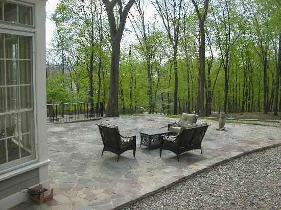 Chrystie House Bed and Breakfast: patio