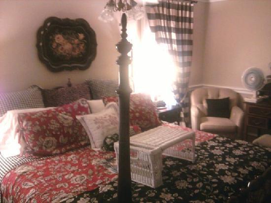 Azalea Plantation: Bed - Lily
