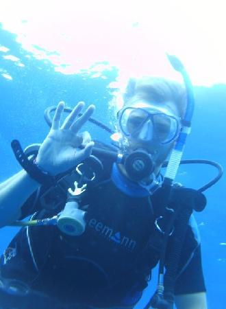 Ecodiving Tours: Dive master whoop