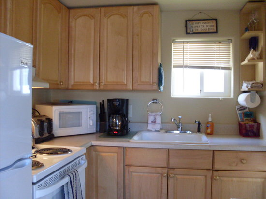 Sea Haven Motel: Kitchen Unit #1, Sea Shell