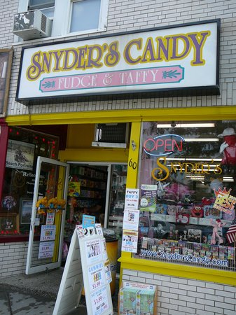 ‪Snyder's Candy‬