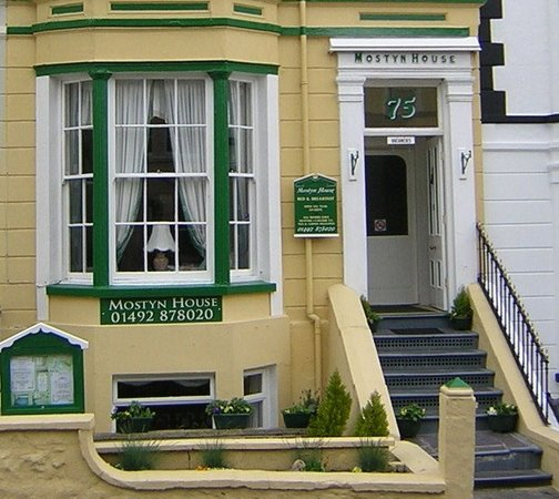 Mostyn Guest House: Front View