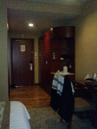 The Avenue Plaza Hotel: Room