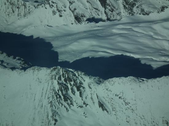 Wanaka Flightseeing: Ski tracks