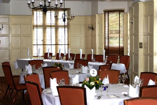 Best Western Linton Lodge Hotel: Dining Room (set for wedding)
