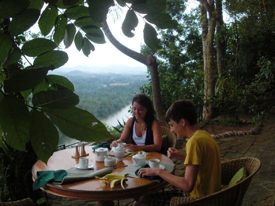 Villa Rosa: Enjoying breakfast views.