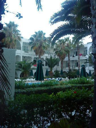 Hotel Emira : Der Innenhof des Hotels