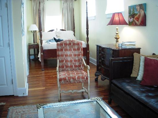 A Bed and Breakfast at 4 Unity Alley: Our room
