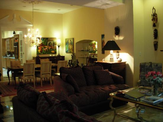 A Bed and Breakfast at 4 Unity Alley: The living room/lobby