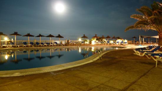 CLUB CALIMERA Delfin Playa: Pool bei Nacht