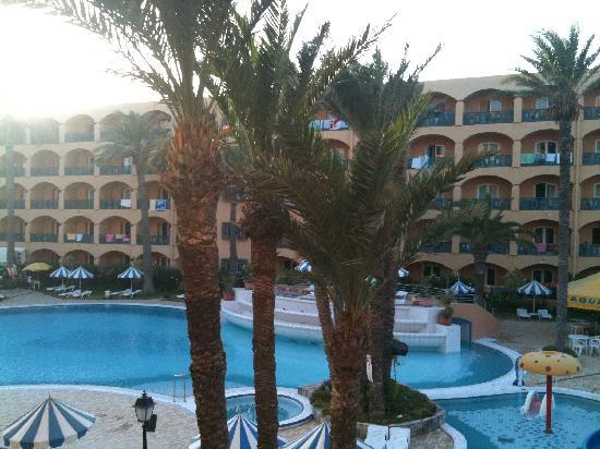 Le Marabout Hotel : l'hotel et sa piscine