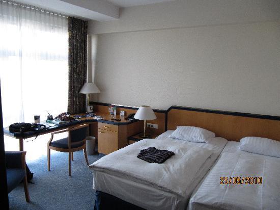 Hotel Hamburg Dusche Im Zimmer : Holiday Inn Hamburg: Zimmer im Hotel