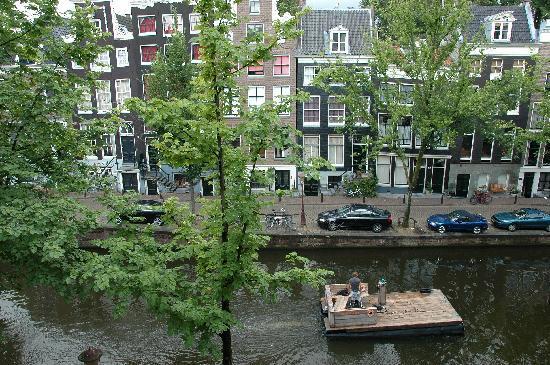 Seven Bridges Hotel: dalla finestra delle camere sul canale