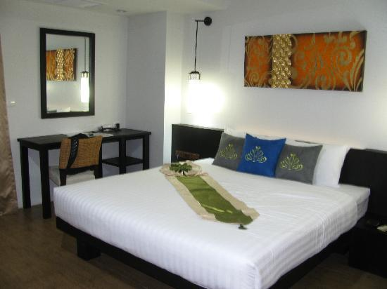 Palmyra Patong Resort: Room