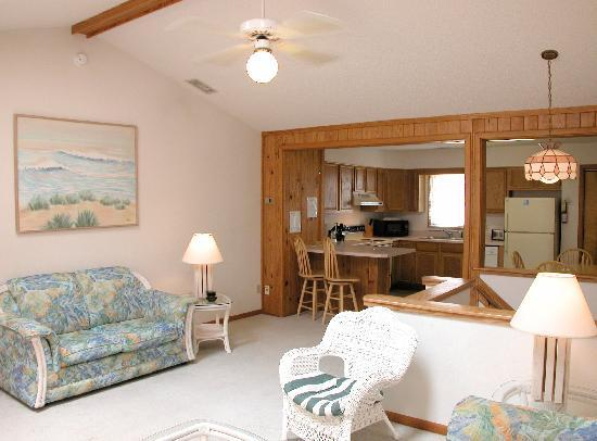 Cape Hatteras Motel: Rooms, Efficiencies, Apartments & Townhouses