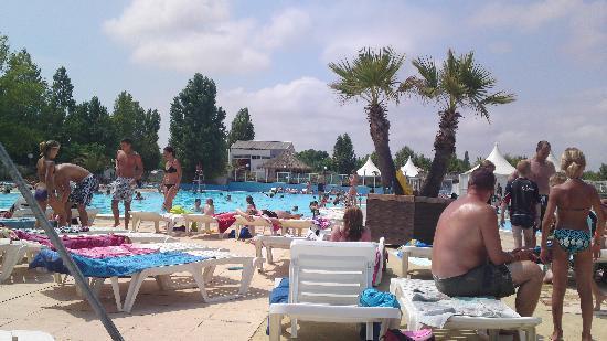Siblu Villages - La Carabasse : good shot of the pool