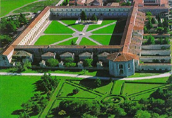 Vista aerea della Certosa di Padula in provincia di Salerno
