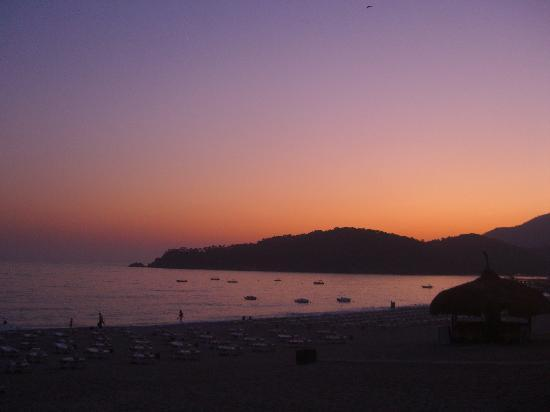 Club Belcekiz Beach Hotel: Sunset