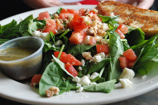 Big Wave Cafe: salad