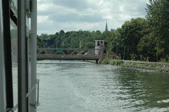 Lockport, NY: One of several lift bridges that you encounter on the trip.