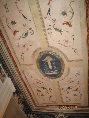 Palazzo Bontadosi Hotel & Spa: Room 3 first floor has frescoes on ceiling