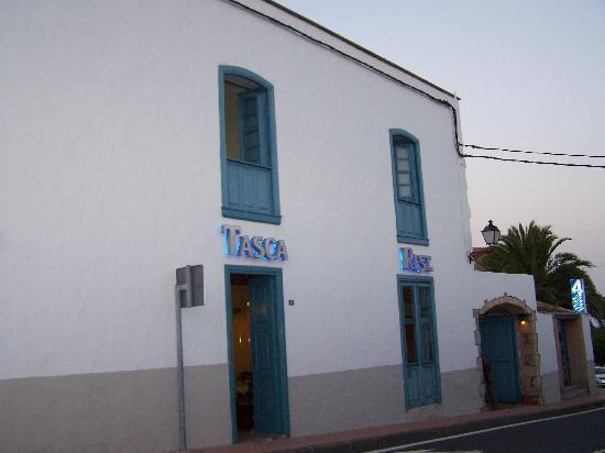 Hotel Emblemático 4 Esquinas: Fachada del Hotel con el Restaurante y Tasca