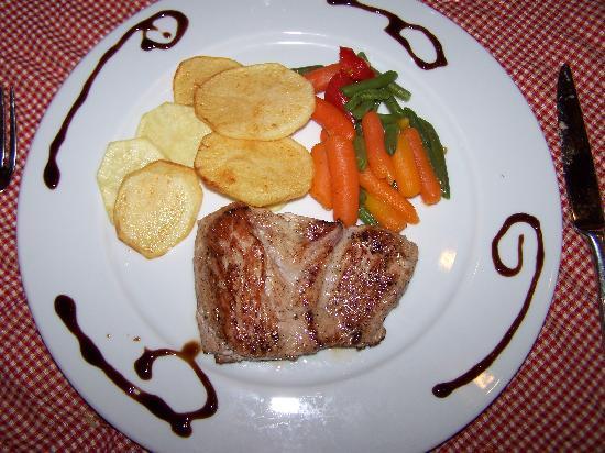 Hotel Emblemático 4 Esquinas: Uno de los platos que pedimos. Cenamos dos noches en el Restaurante.