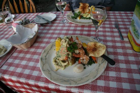 La Cucina Pasteria: Beautiful Presented Salmon!