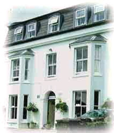 Saundersfoot, UK: front of hotel/Woodlands Hotel