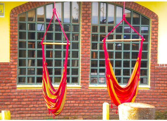 Hostel el Museo: hammock seats out front