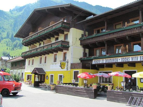 Fusch, Austria: hotel outside view