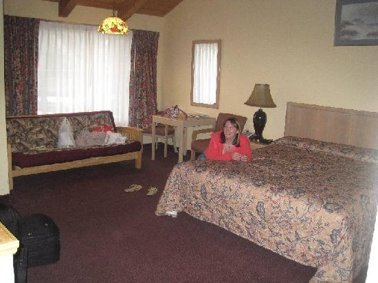 Butterfly Grove Inn: our room