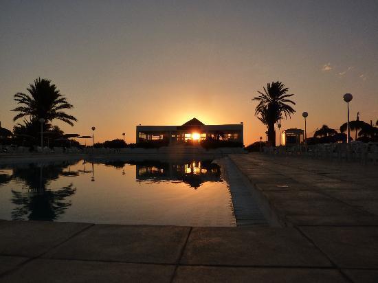 El Mouradi Cap Mahdia: Sun rise from the hotel pool