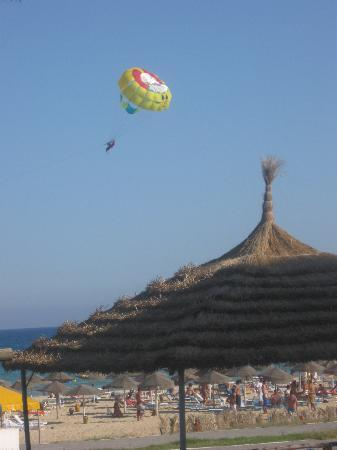 Hotel Les Colombes : balade en parachute