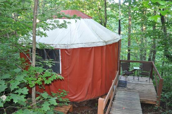 Cedar House Inn & Yurts: The yurt