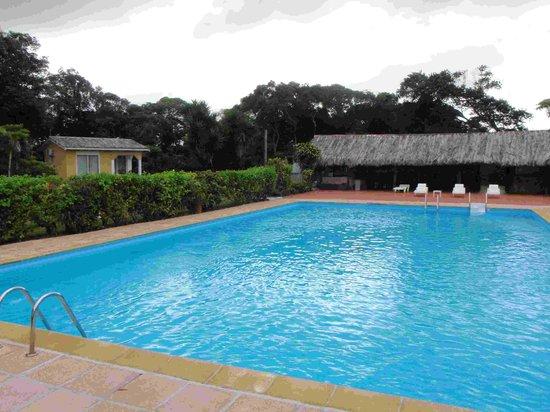 Servigny Hotel: Hotel Le Servigny pool area