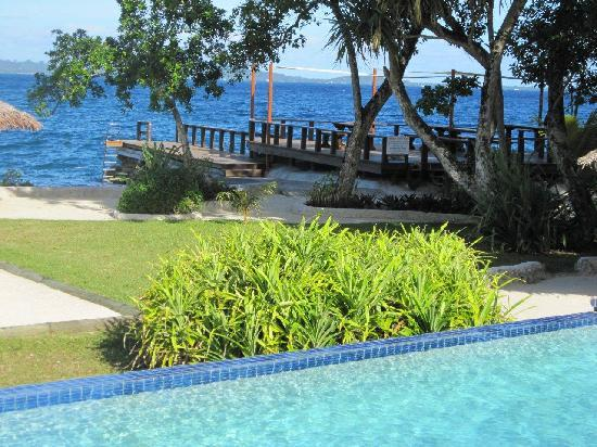 Island Magic Resort: Pool View to Jetty