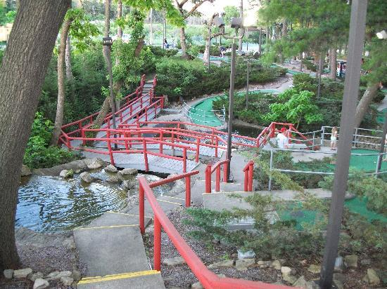 Timber Falls Adventure Golf: Timber Falls - another view of the course