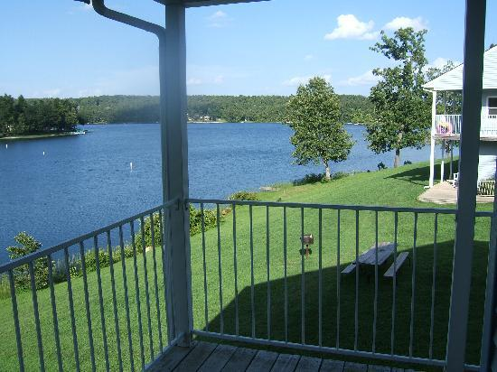Crown Point Resort : Wonderful lake view from unit 406A.