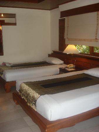 Thavorn Beach Village Resort & Spa: 2 double beds each  spoilt!