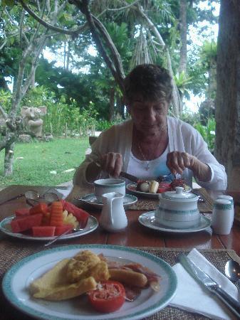 Thavorn Beach Village Resort & Spa: Good breakfast spread