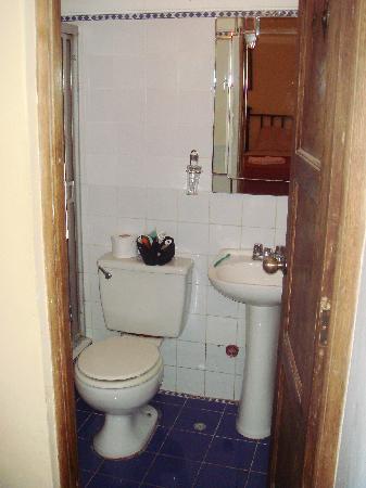 Hostal El Patio: My bath