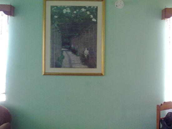 IV King's Guesthouse: nice picture on the wall