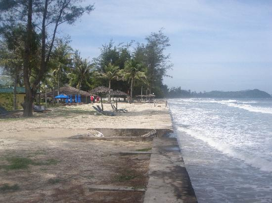 Tuaran Beach Resort: Beach? Not the best!