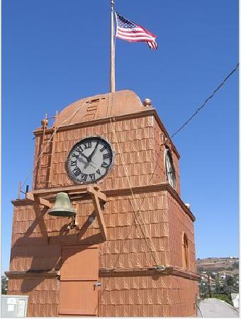 Santa Paula Inn B&B: The Clock Tower at the Odd Fellows Lodge on Main Street